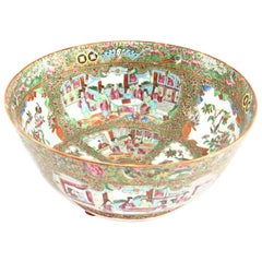 19th Century Chinese Export Porcelain Rose Medallion Bowl