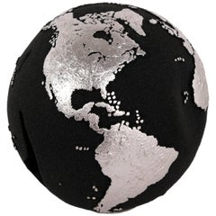 Classic Globe with Volcanic Sand and Silver Finishing, 20 cm
