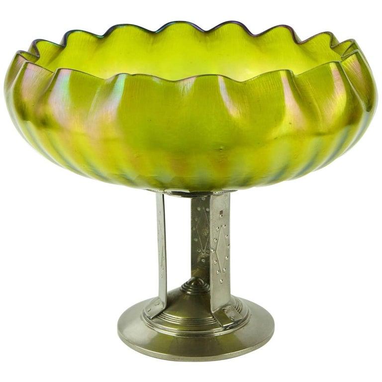 Large Art Nouveau Iridescent Mounted Center Bowl