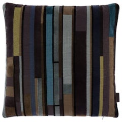 Maharam Pillow, Compartment