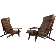 Pair of 1960s Hans J. Wegner Lounge Easy Chairs Mod. GE 375 Oak Leather Getama