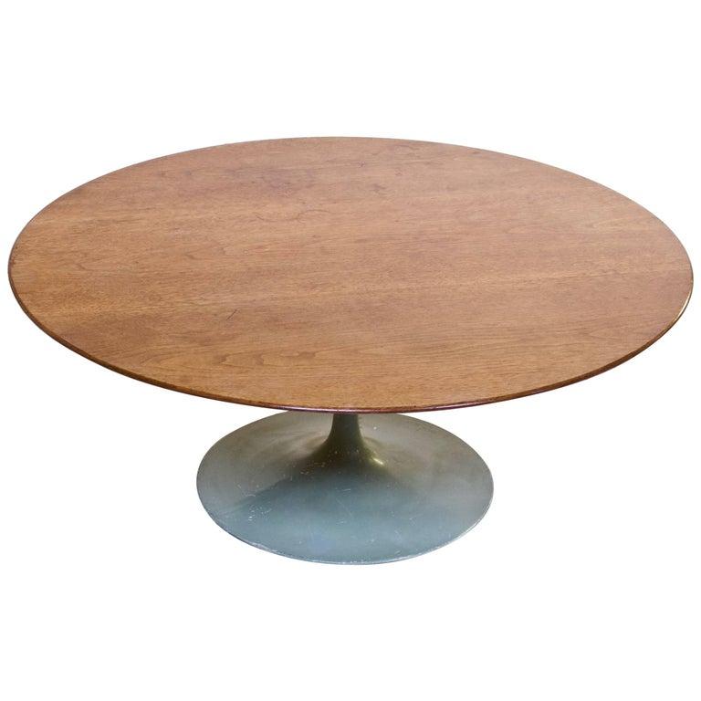 Table Top 1955: Eero Saarinen For Knoll 'Tulip Table' With Walnut Top And