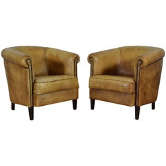 Pair of English Light Tan Leather Club Chairs, Mid-20th Century