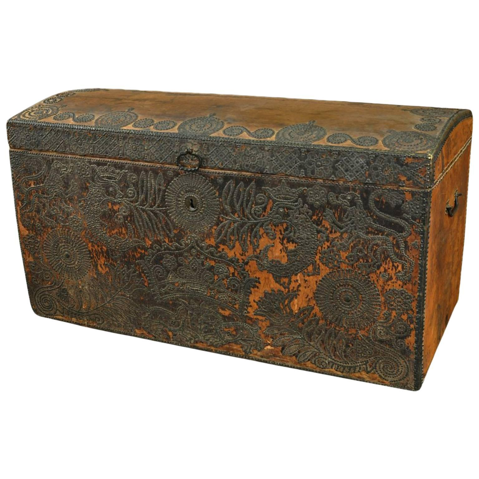 18th Century French Marriage Chest - Malle