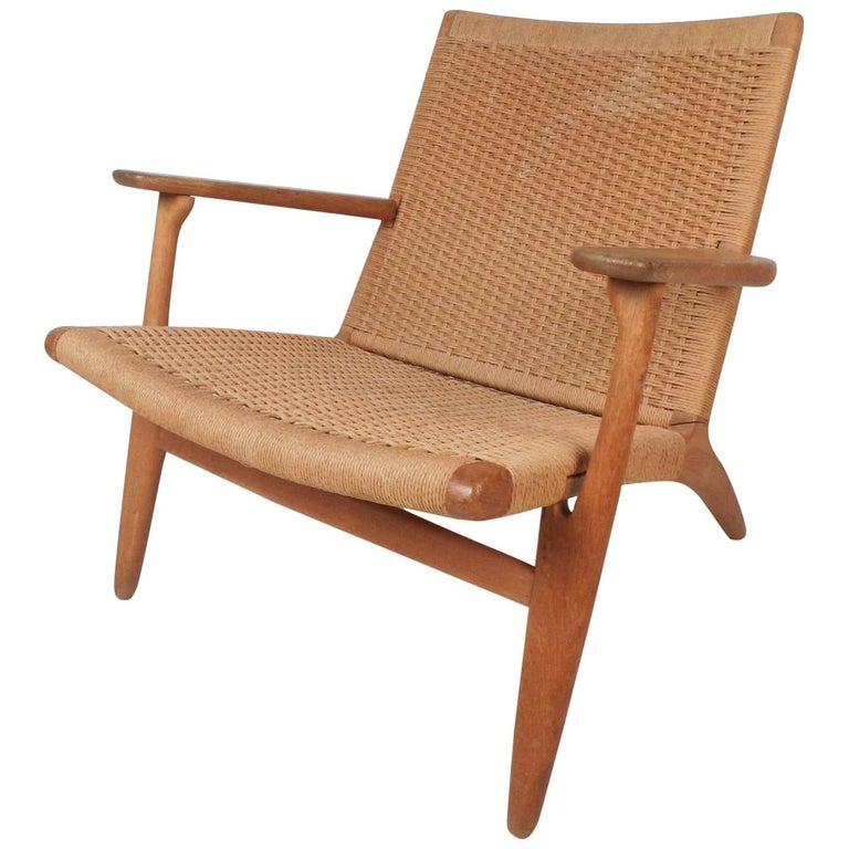 Mid-Century Modern CH 25 Lounge Chair by Hans Wegner for Carl Hansen For Sale