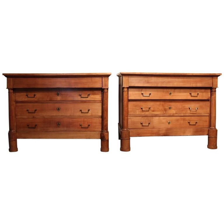Good Matched Pair of 19th Century French Walnut Commodes For Sale
