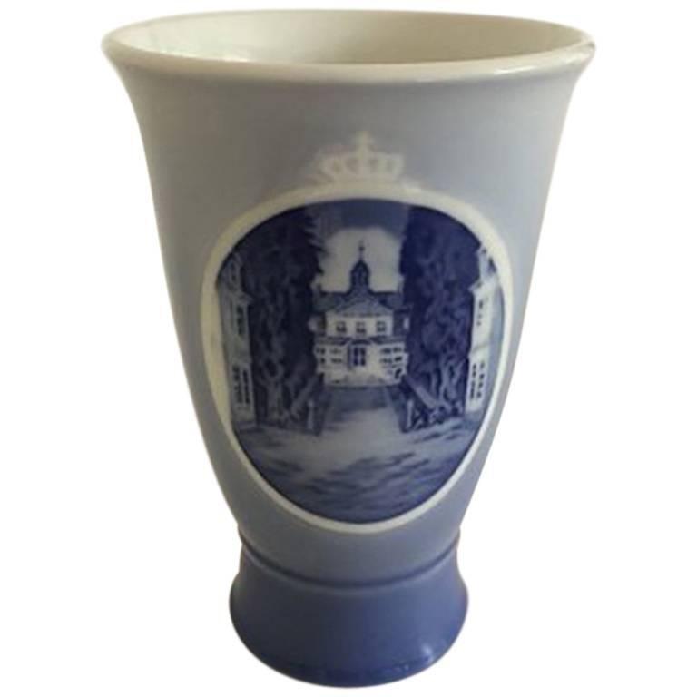 Royal Copenhagen 1937 Rundskue Vase For Sale