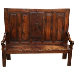 Hand-Carved French Settle with Liftable Armrest, circa 1790