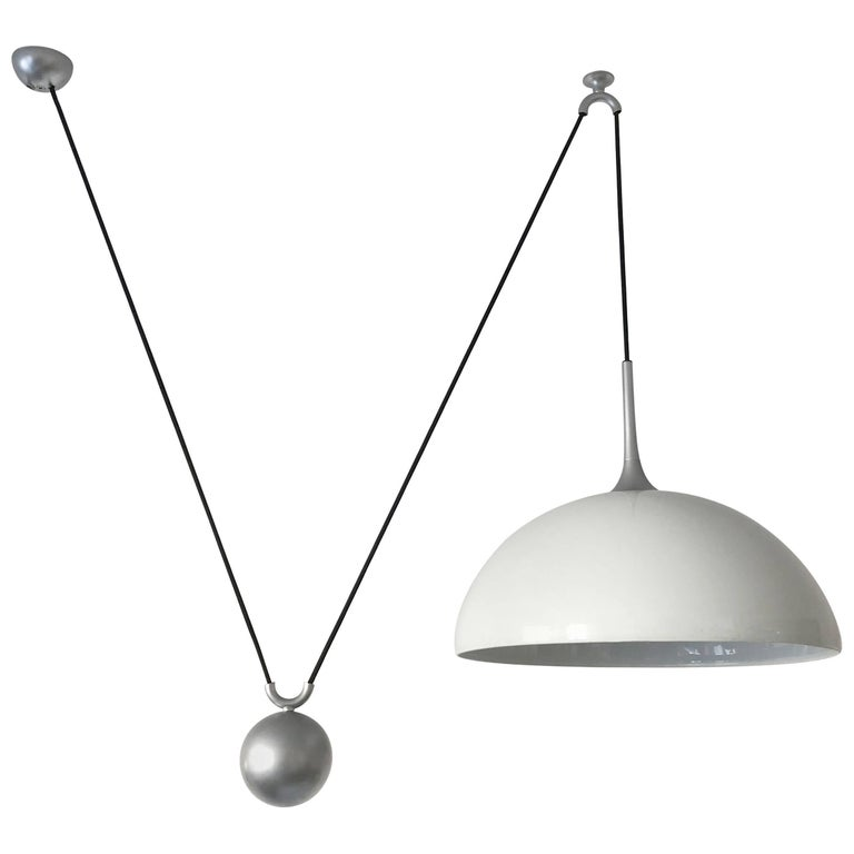Counterweight Pendant Lamp by Florian Schulz