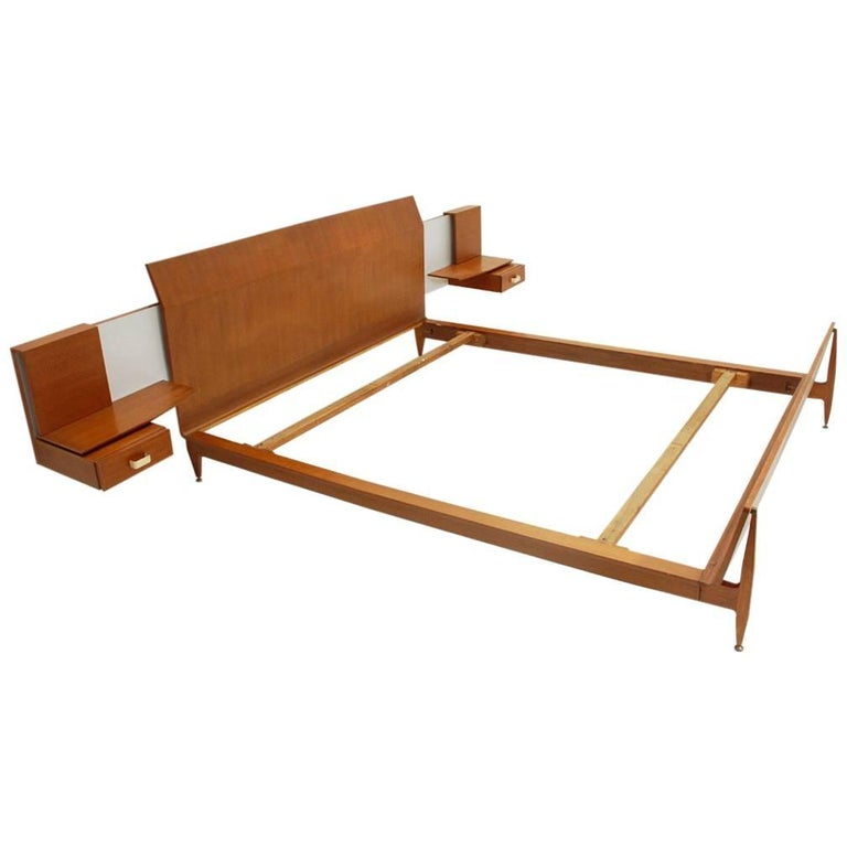 Modernist Bed with Nightstand in Teak by Galleria Mobili d'Arte of Cantù, 1950s