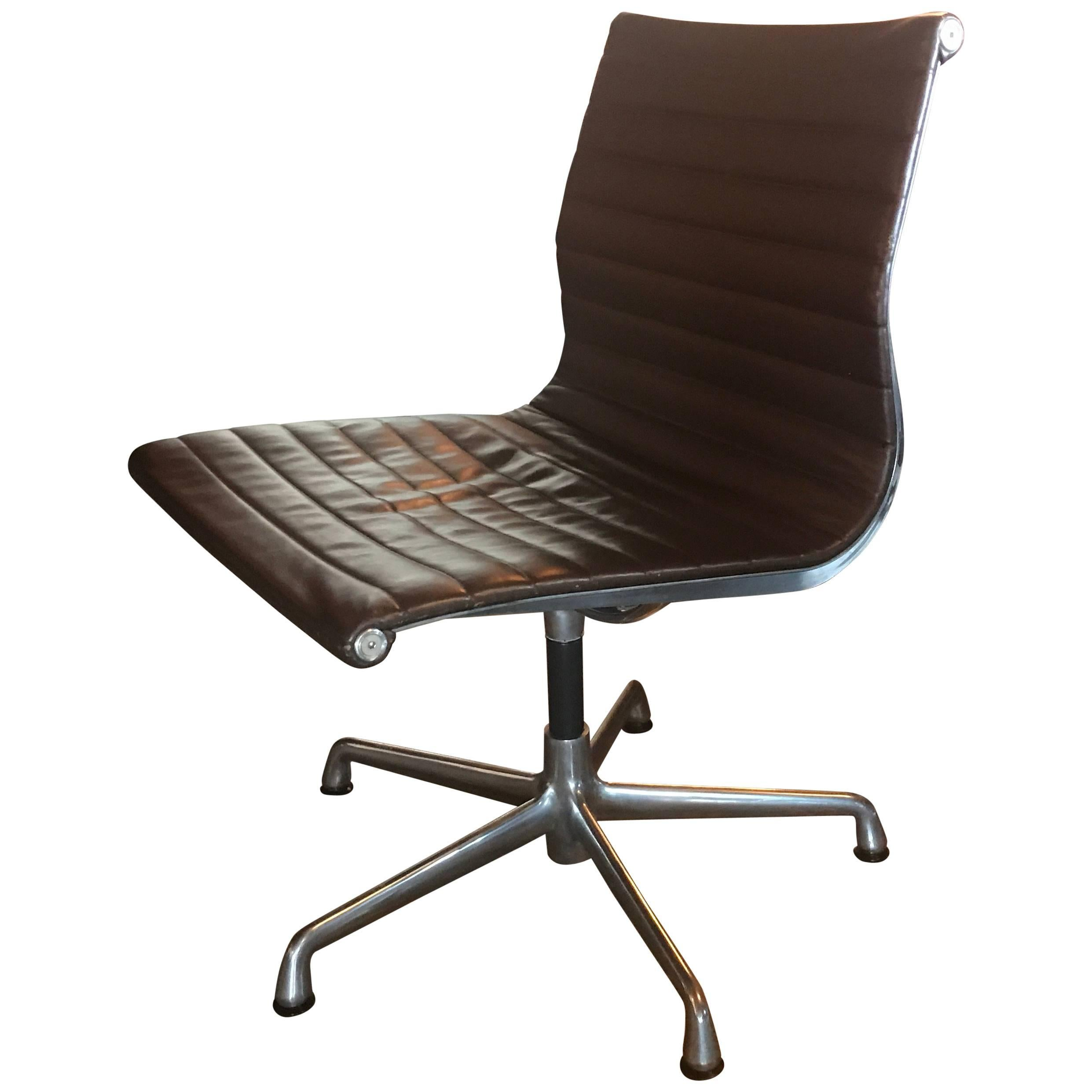Eames Office Swivel Aluminum Group Leather Chair Herman Miller For Sale