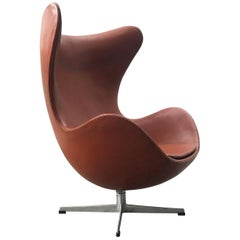 Early Vintage Authentic Leather Arne Jacobsen Egg Chair for Fritz Hansen