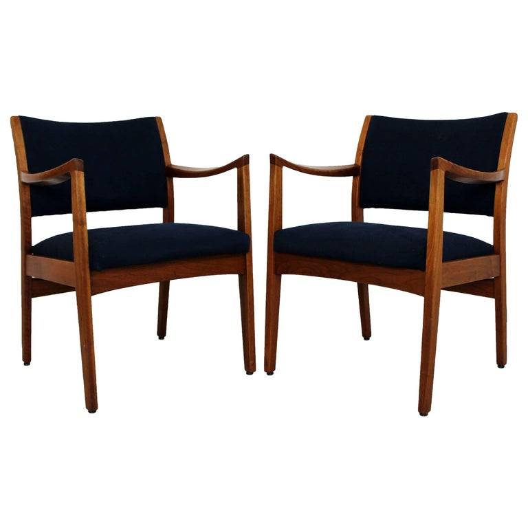 Mid-Century Modern Pair of Walnut Armchairs by Johnson 1960s in Jens Risom Style