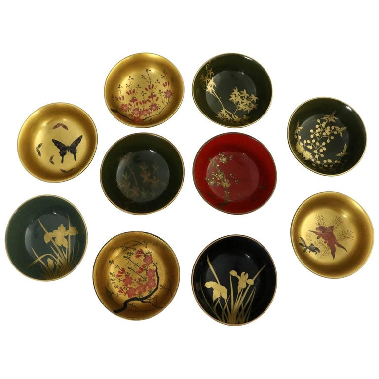 Antique Japanese Maki-E Lacquered Rice or Soup Bowls, Set of Ten