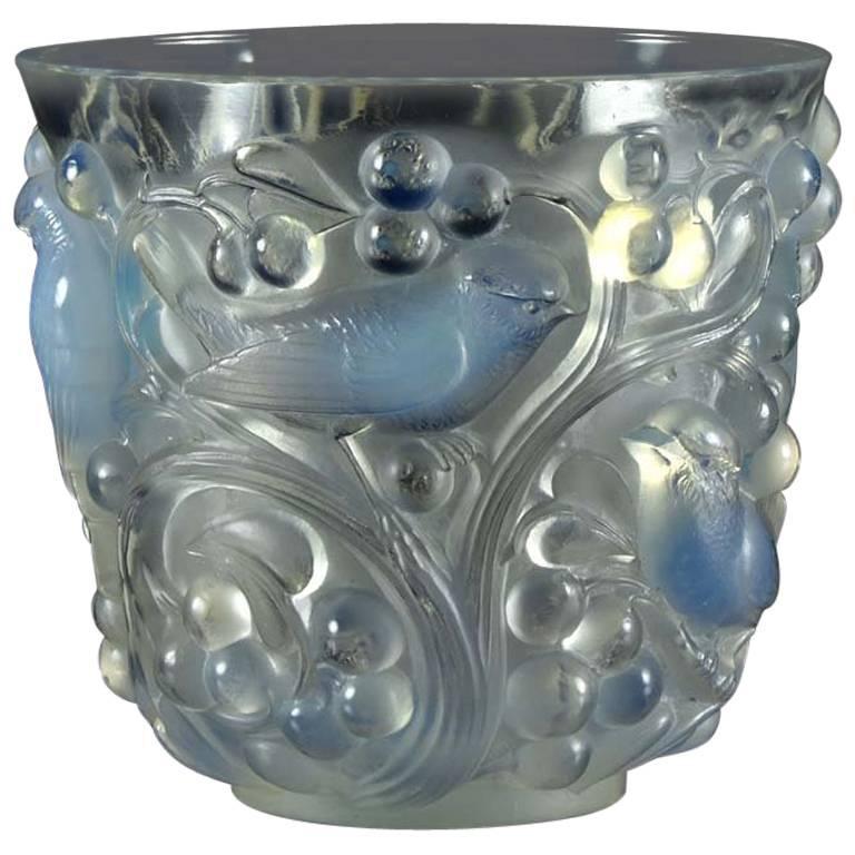 'Avallon' Art Deco Glass Vase by René Lalique