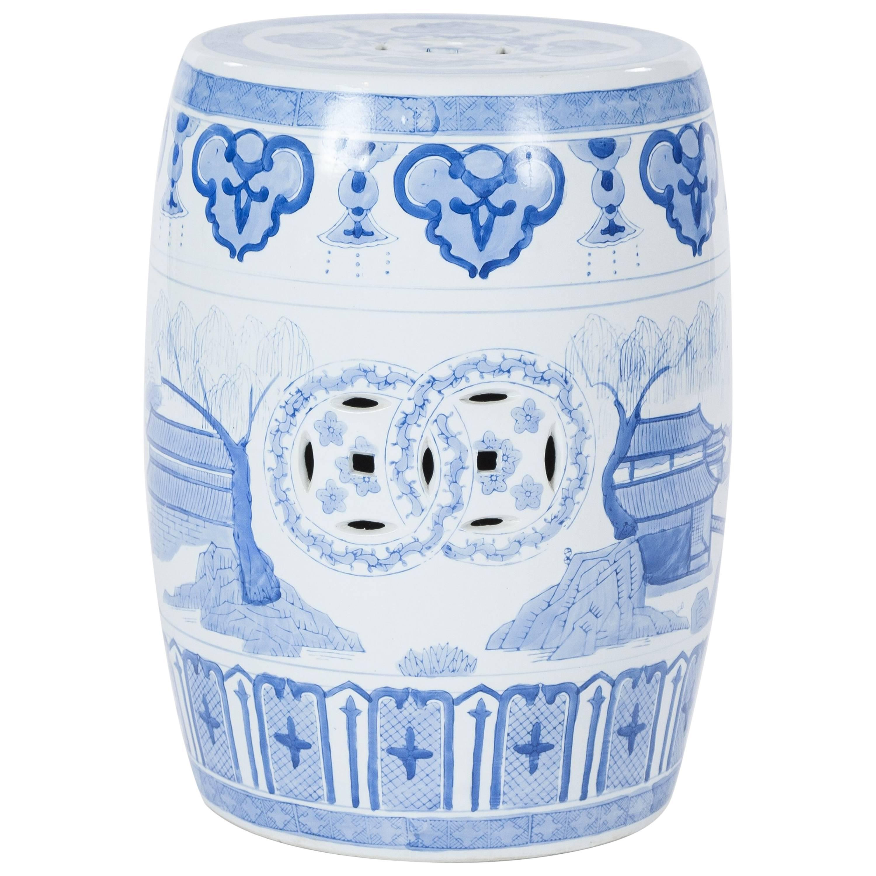 Vintage Traditional Chinese Blue And White Porcelain Garden Stool, 20th  Century For Sale