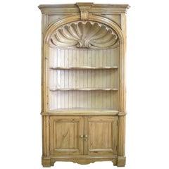 Barrel Back Corner Cabinet in Antique Pine