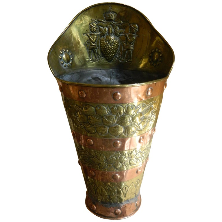 French Brass and Copper Grape Hod with Fleur De Lis Decoration, 19th Century