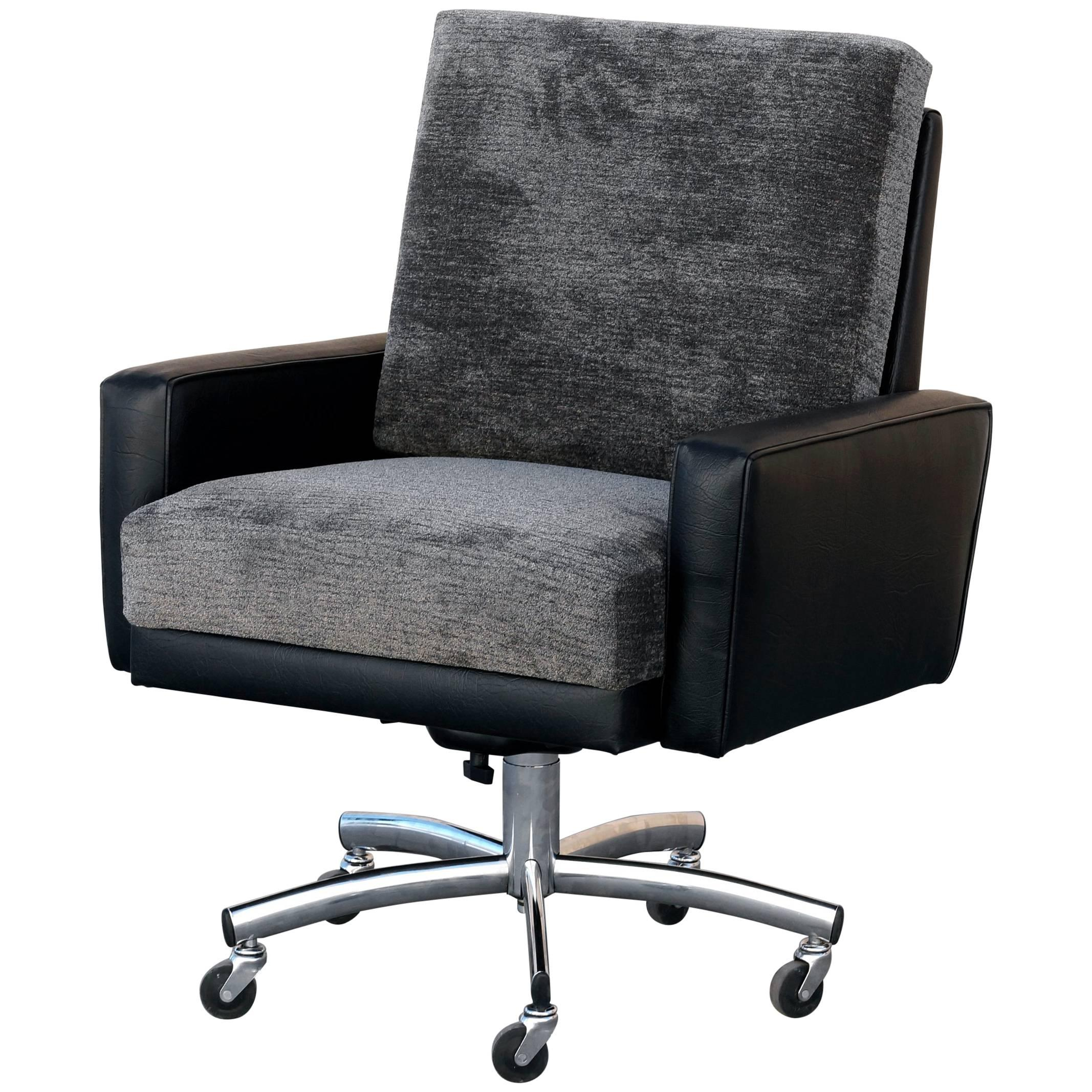 Vintage Modern Steelcase Executive Armchair For Sale