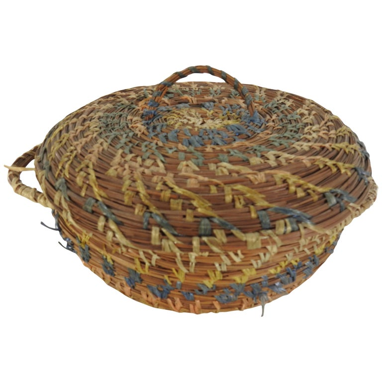 Vintage Chinese Round Pine Needle Basket