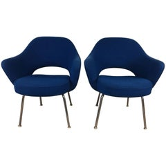 Saarinen Executive Chair Pair by Knoll