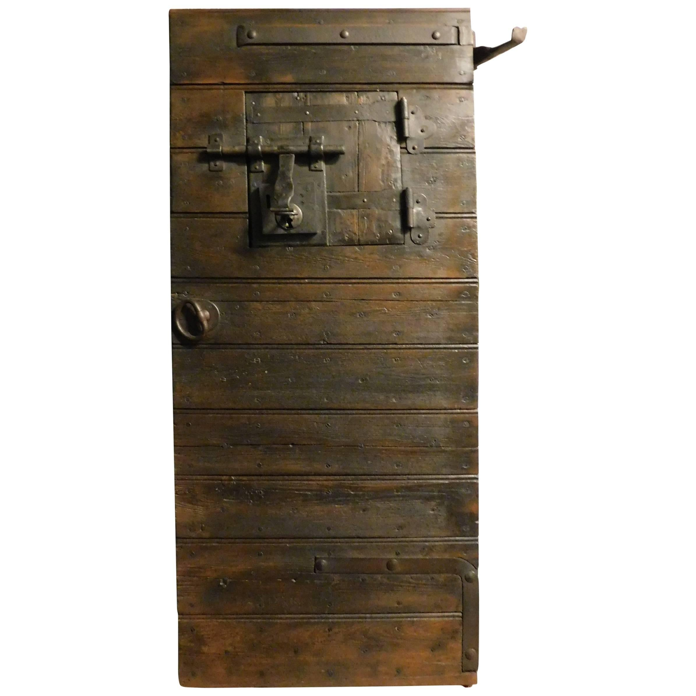 18th Century Dungeon Door For Sale  sc 1 st  1stDibs & 18th Century Dungeon Door For Sale at 1stdibs