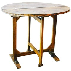 19th Century Tilt-Top Vendage Wine Tasting Table from Bordeaux, France