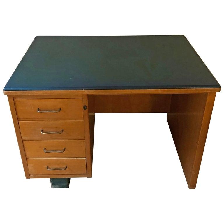 Mid-Century Modern Maple Desk by Antonio Ferretti Milano , Italy, 1940s