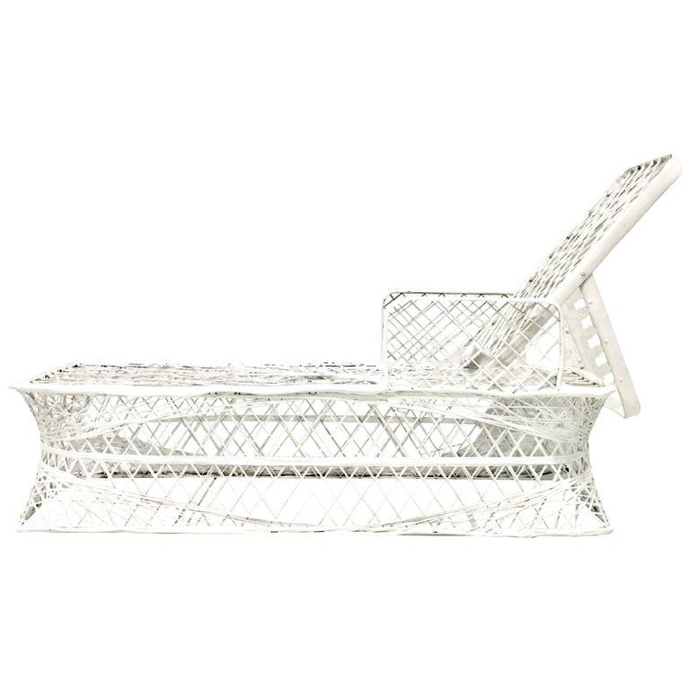 Russell Woodard spun-fiberglass chaise longue, 1960s