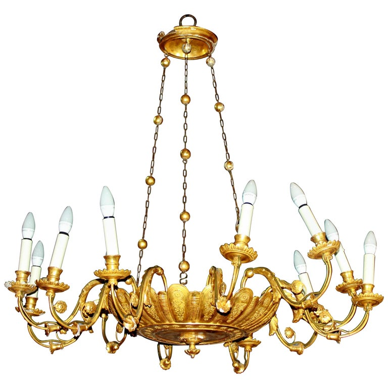 Early 19th Century French Regency Giltwood Twelve-Light Chandelier