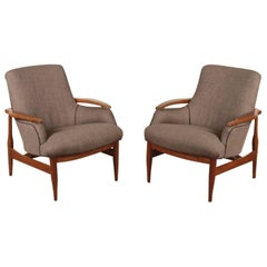 Pair of Midcentury Lounge Chairs in the Manner of Finn Juhl NV53