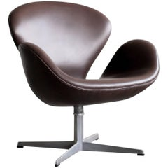 Arne Jacobsen Swan Chair in Dark Chocolate Leather