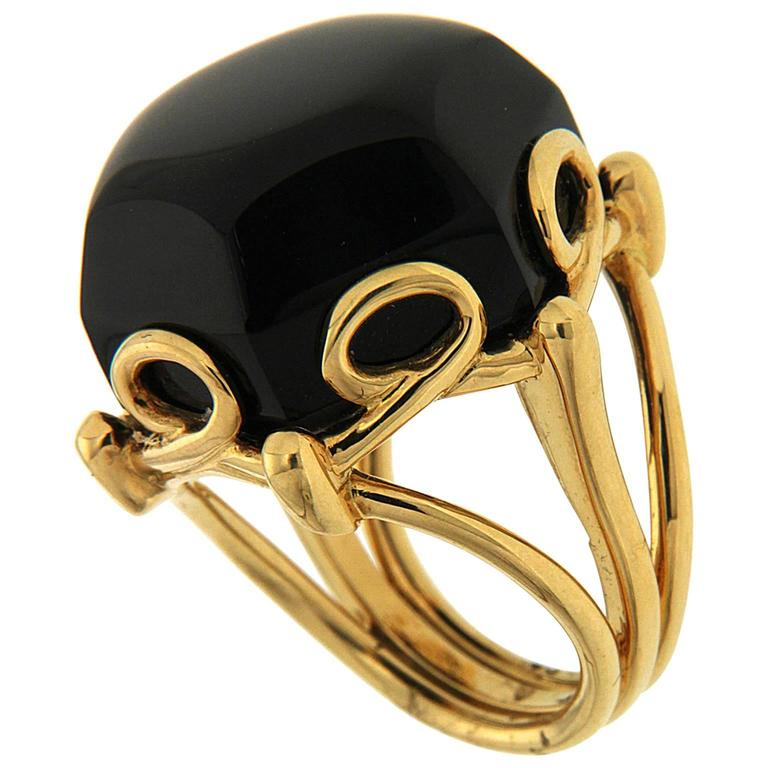 Valentin Magro Special Cut Onyx Gold Hexagon Ring 1