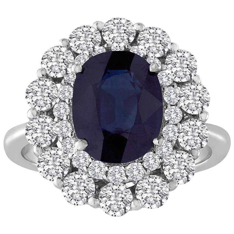 Certified No Heat 3.22 Carat Blue Oval Sapphire and Diamond Ring For Sale