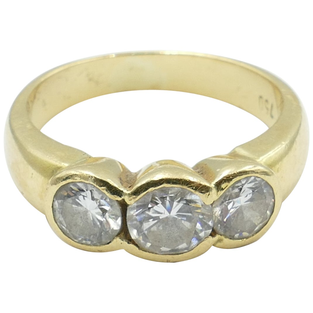 18 Carat Yellow Gold 3 Diamond Trilogy Ring