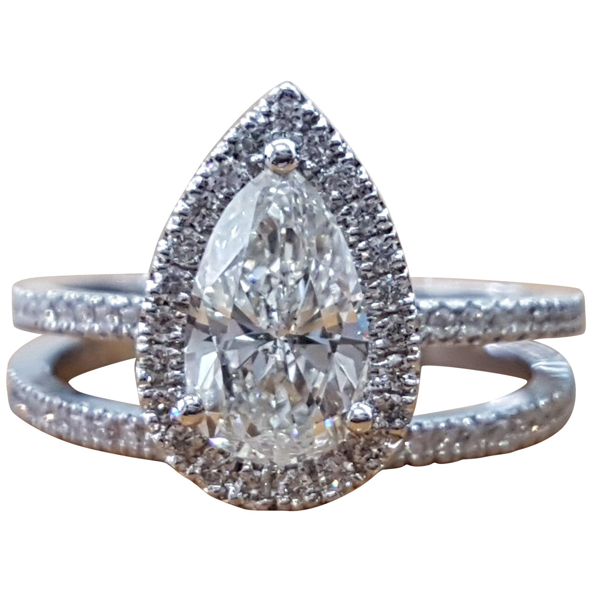 1 1/2 Carat 14 Karat White Gold Pear Engagement Ring Set