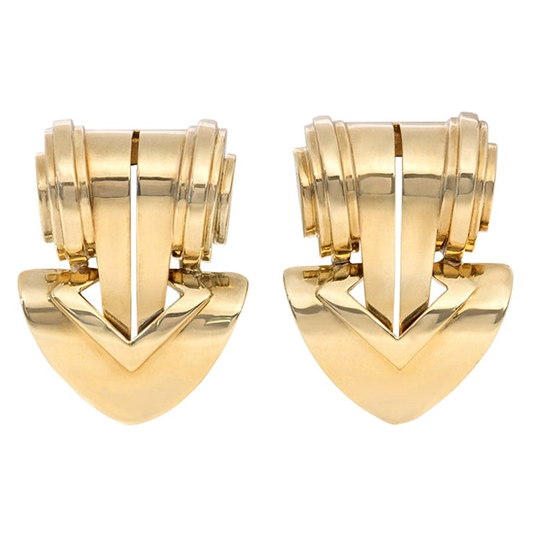 Pair of Tiffany & Co. Retro 1940s Gold Clip Brooches of Geometric Design