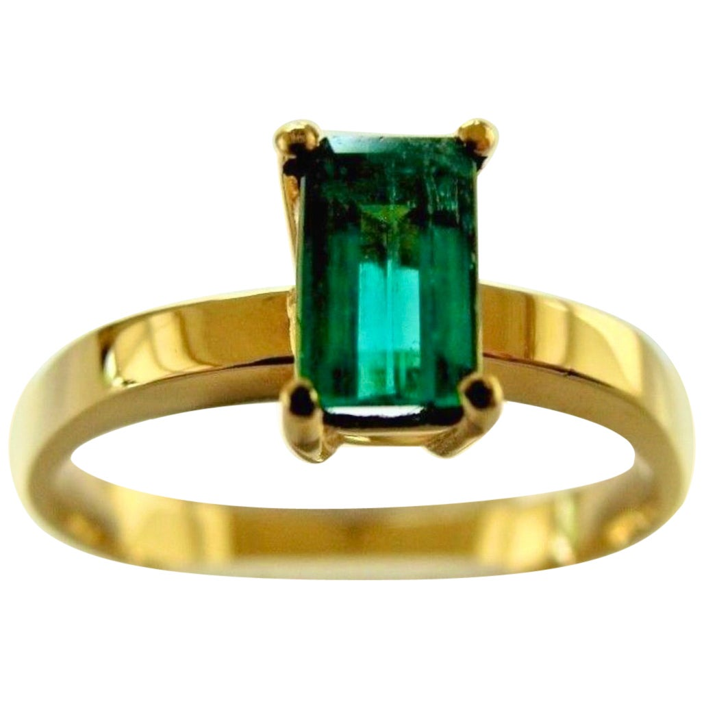 Solitaire 100% Natural Colombian Emerald Ring 18 Karat Gold