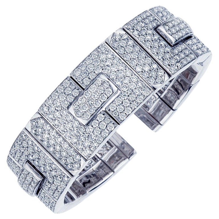 18 Karat White Gold Diamond Bangle Bracelet, 16.75 Carat