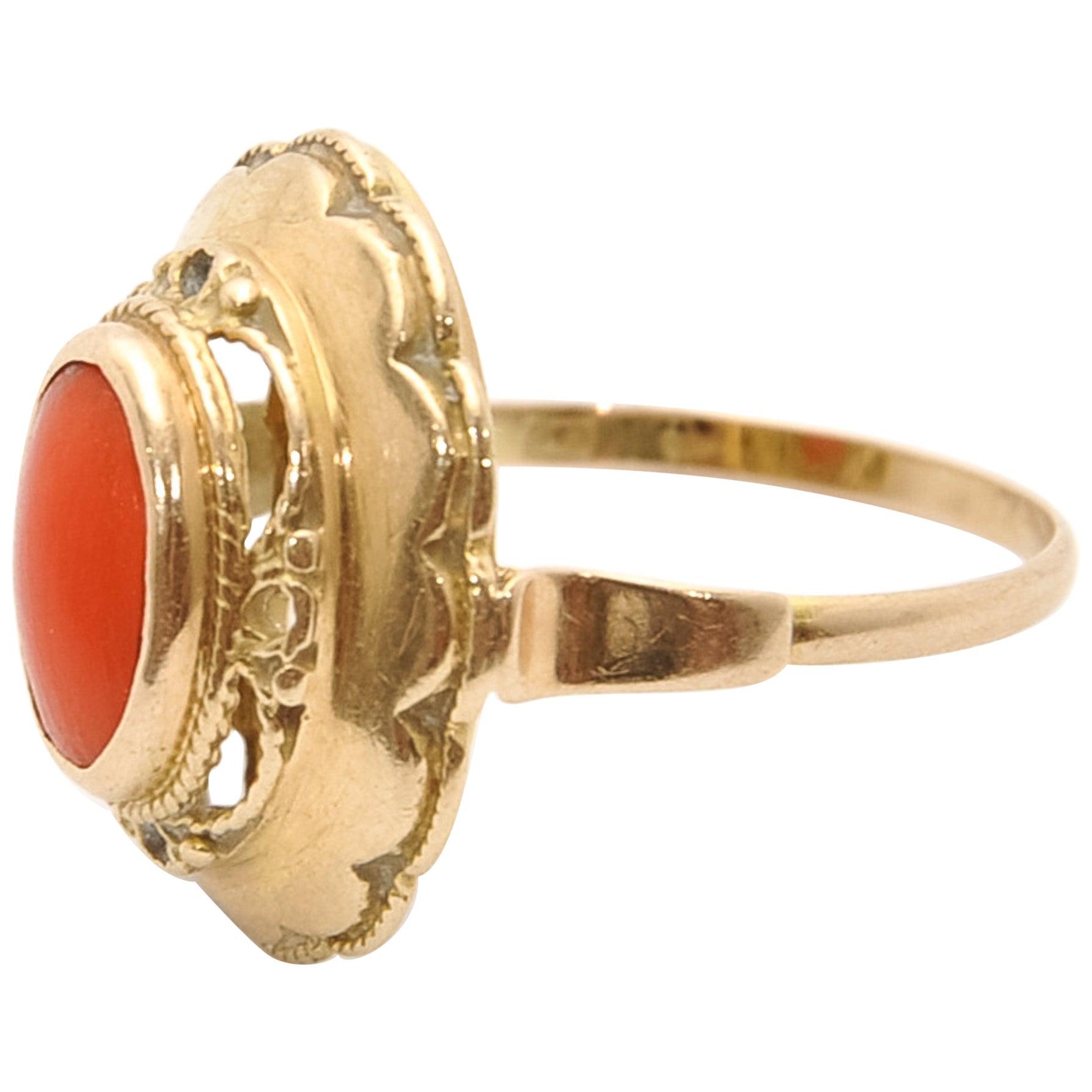 Vintage 14 Karat Yellow Gold Red Coral Ring
