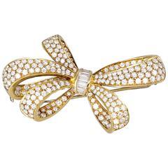 TIFFANY & CO. Diamond and Gold Bow Brooch