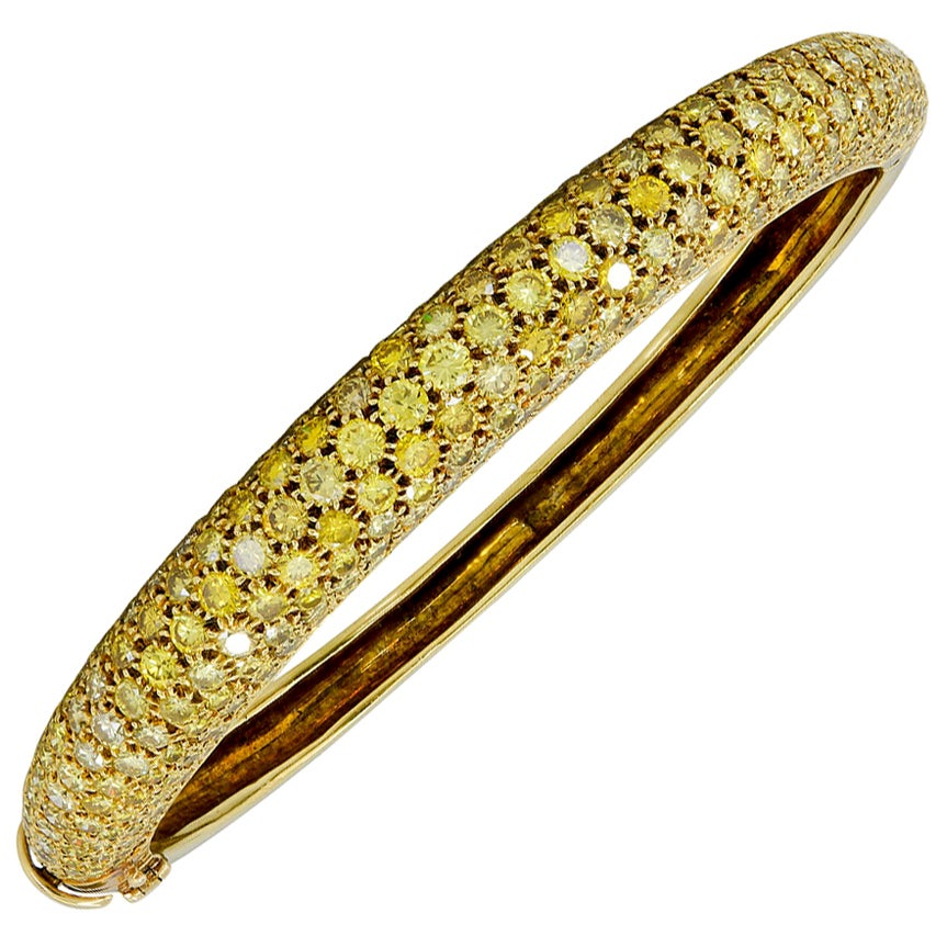 Van Cleef & Arpels Yellow Diamond Gold Bangle Bracelet