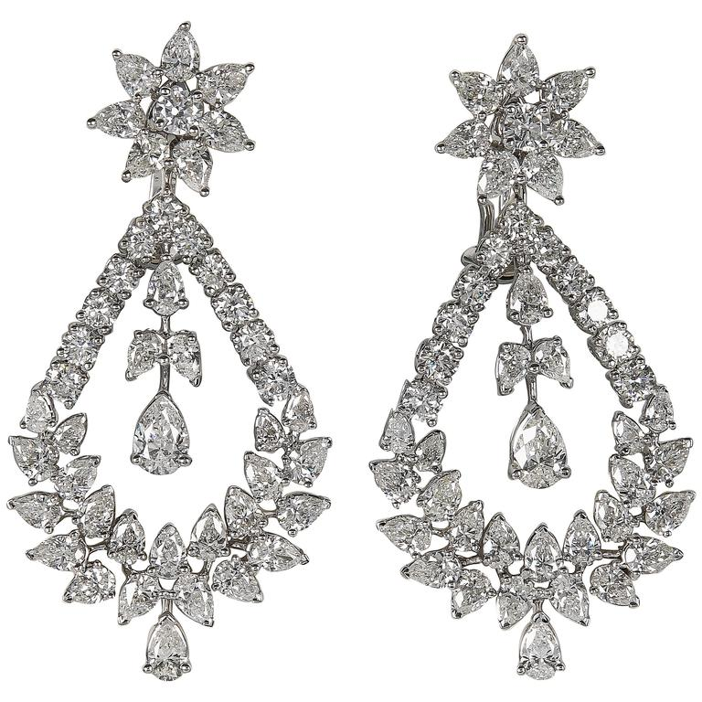 Extraordinary Diamond gold Chandelier Drop Earrings For Sale