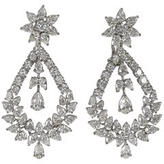 Extraordinary Diamond Gold Chandelier Drop Earrings