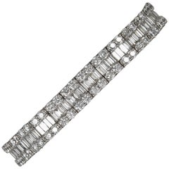Stunning Baguette and Round Diamond Gold Bracelet