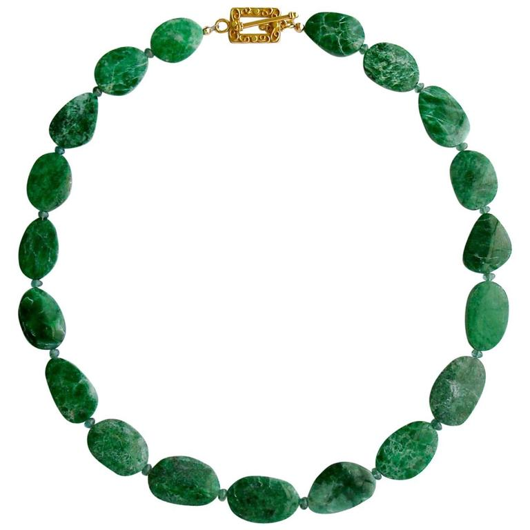Maw Sit Sit Columbian Emerald Choker Necklace For Sale