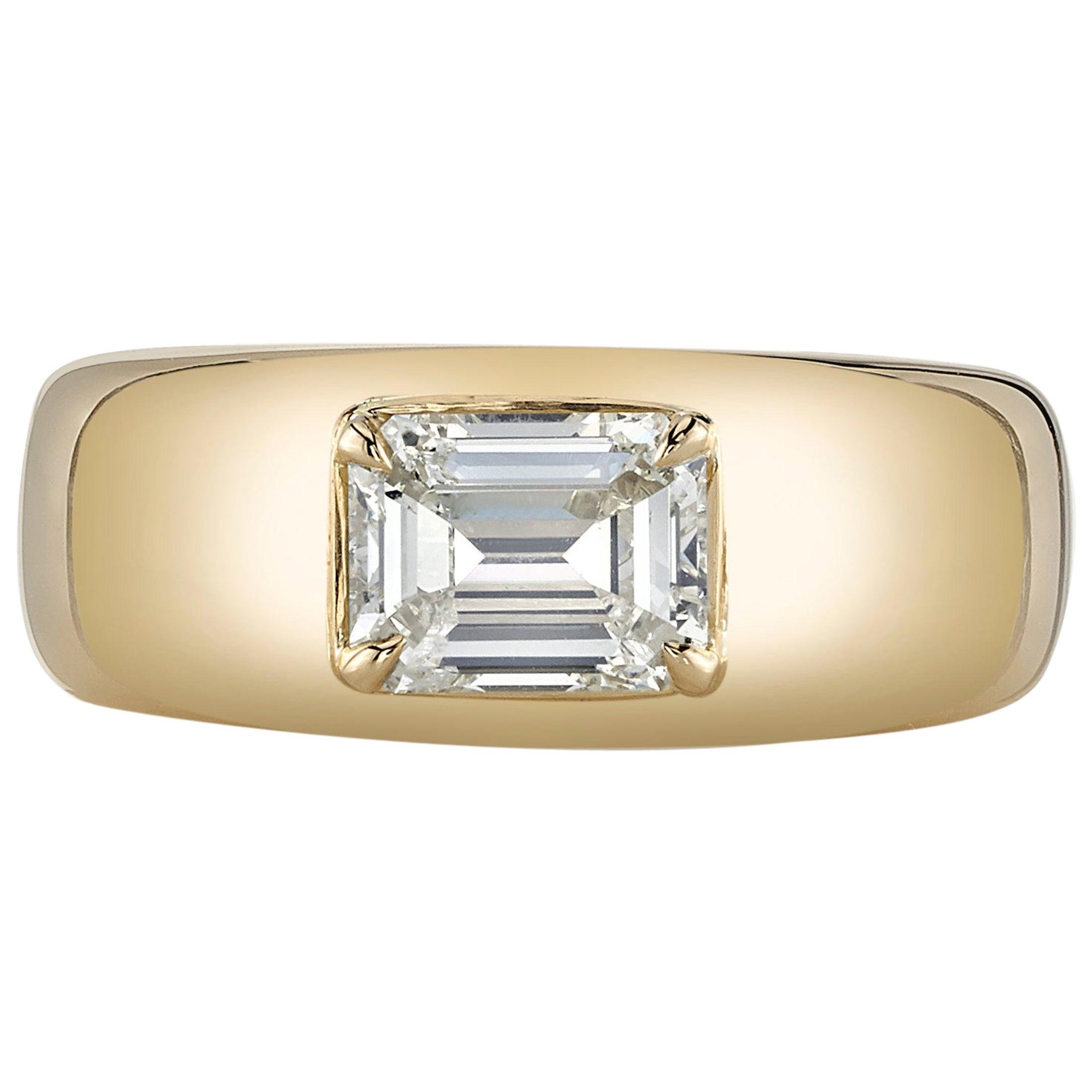 1.00 Carat Emerald Cut Diamond in a Handcrafted 18 Karat Yellow Gold Ring