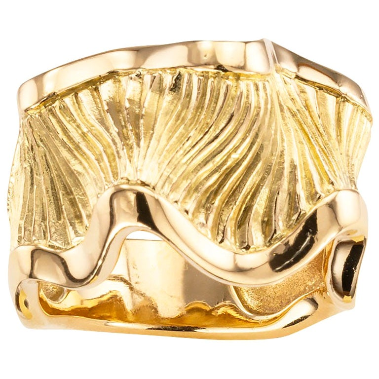 Chanel Rippled Yellow Gold Ring Band