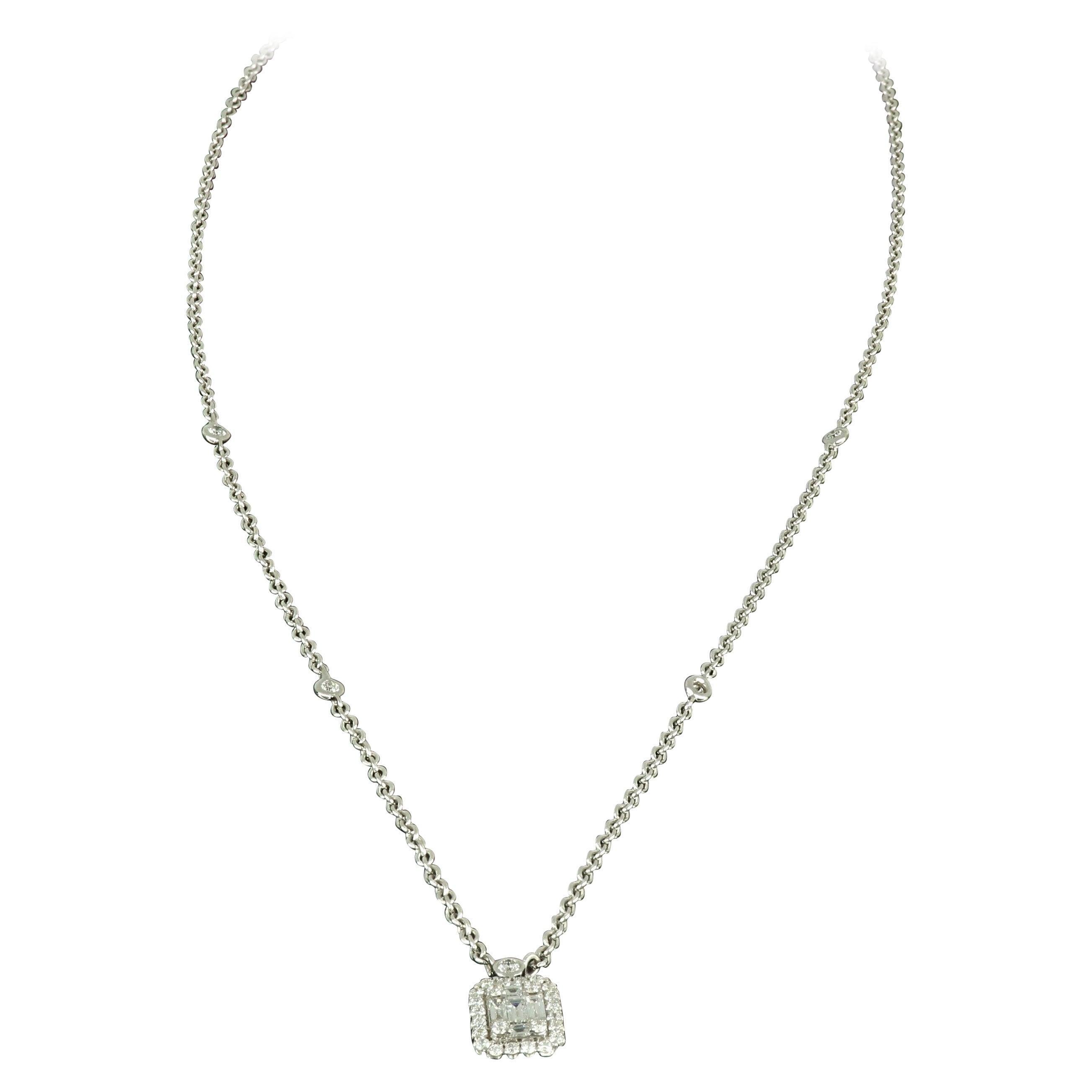 Amwaj Jewellery 18 Karat White Gold Pendant with Emerald Diamond