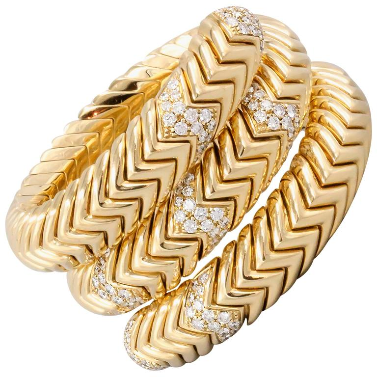 Bulgari Spiga Diamond Gold Snake Bracelet For Sale